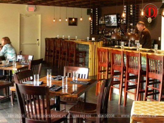 bàn mặt gỗ nhà hàng