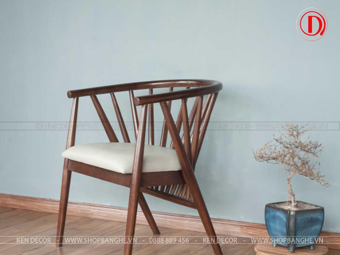 ghế gỗ quán trà sữa