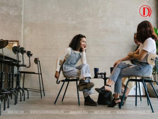 ghế cafe chân sắt