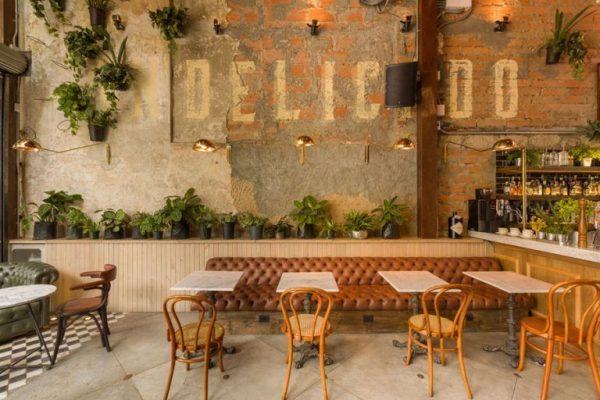 bàn ghế quán cafe thô mộc